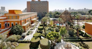 A panoramic view of the Cairo Marriott's garden promenade.