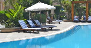 The swimming pool is laid back with a quiet atmosphere.